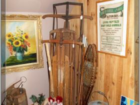 antique-and-vintage-items-at-always-in-season-shop-002